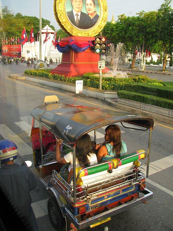 Foto tuk_tuk2_bangkok.jpg